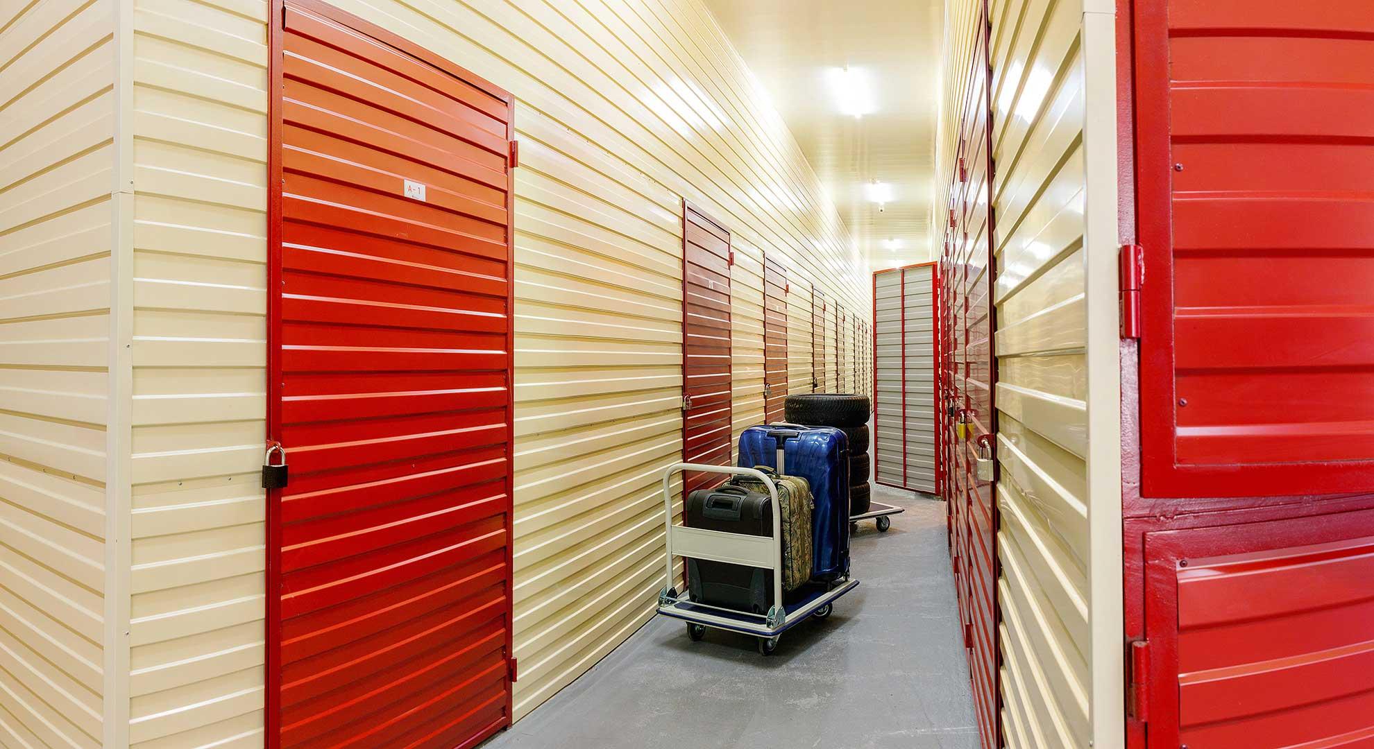 склады компании хранения вещей в киеве складовка